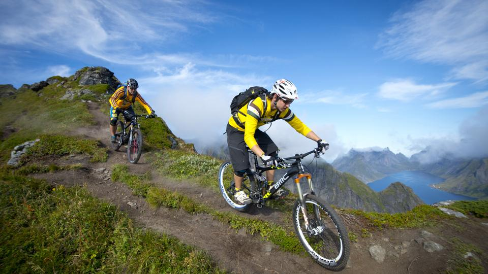 Mit dem Mountainbike unterwegs. Foto: Manfred Stromberg - visitnorway.com