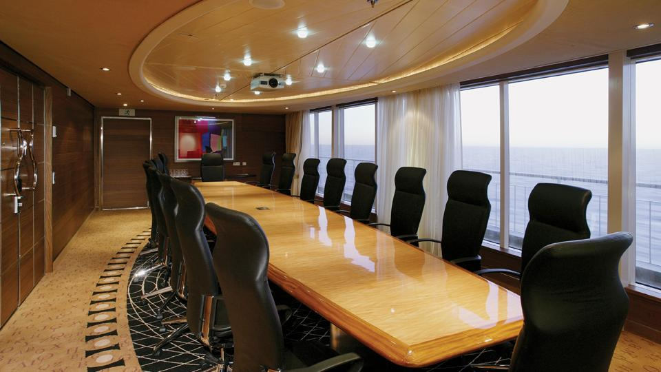 Konferenzraum Boardroom. Color Line